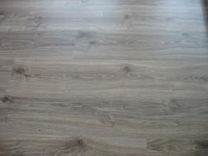 podlaha obývák - plovoučka  Egger dub měděný