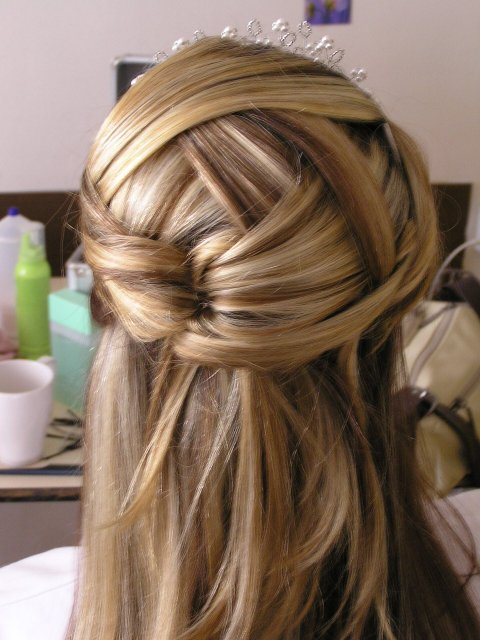 Ivet a Gabo :-) - Takto chcem vlasy! veľmi pekné, jednoduché, ale pekné(pardón za kopírovanie)