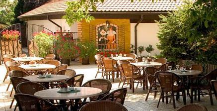 zahrádka restaurace Golem