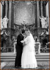 polibek před oltářem