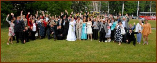 byla to krásnán a veselá svatba...tak jsme si to přáli
