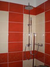 zatím jen sprcha- bez vaničky a zástěny :-(