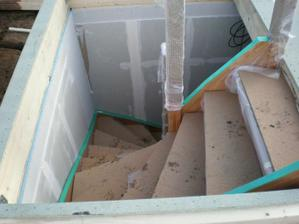 ochrana schodů před ošlapem