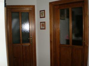 dveře od truhláře v patře