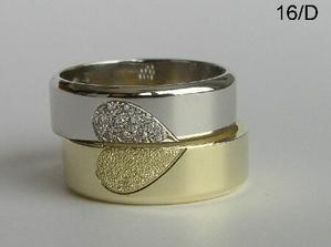 Hezký prstýnky, ale maj smysl jen takhle položený na sobě...