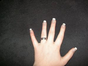 Můj zásnubní prstýnek :D