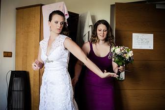 Sestra a svědkyně v jednom - pomáhala mi s finálními přípravami :-)