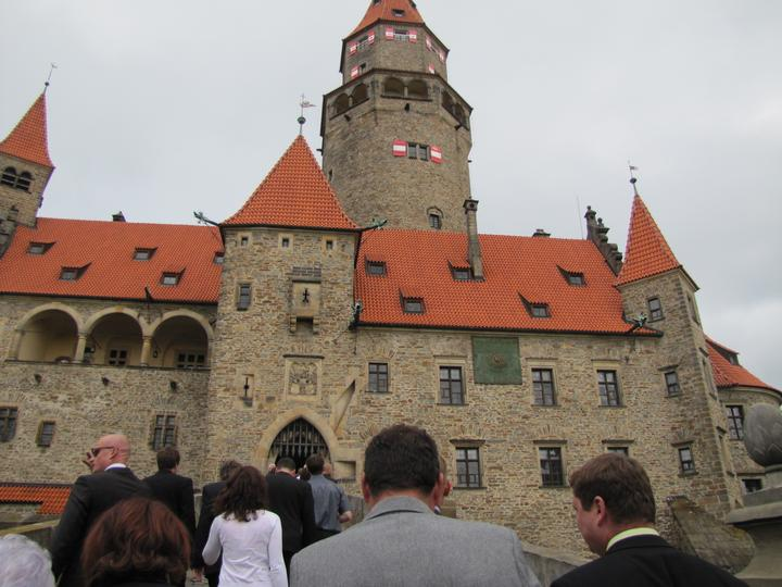 Lenka{{_AND_}}Jaroslav - hrad Bouzov - nádherné místo naší krásné svatby