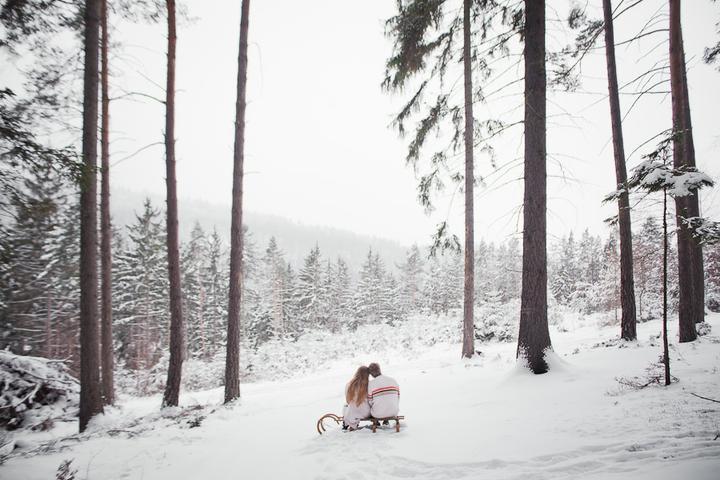 Zimní romance po našem - Miluju tuhle fotku :-)