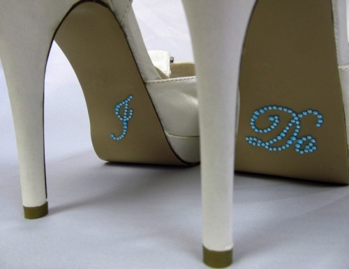 Všetko možné :) - http://www.ebay.com/itm/I-Do-Rhinestone-Wedding-Shoe-Stickers-Something-Blue-Traditional-Wedding-Blue-/330896480406?pt=UK_Women_s_Bridal_Shoes&hash=item4d0af79896