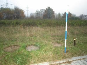 Všechny sítě včetně kanalizace už jsou na pozemku