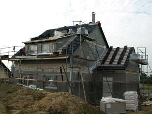 den 3. střecha bude za chvíli hotová