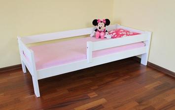 vybraná postel... Saša má stejnou, jen v přírodní, tak ji musíme přebarvit. původně jsme chtěla už velkou postel, ale nakonec bude menší investice