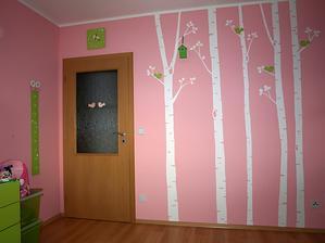 táák a s doplnky :-) a můžu si zas jeden pokojíček odškrtnout, už vymýšlím, co namalovat do ložnice :-D