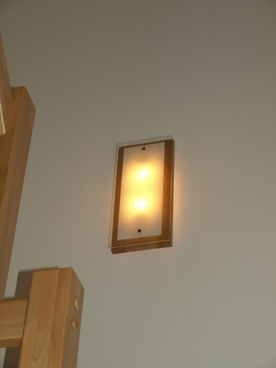 Bydlíme - světlo na schodech, naše nejoblíbenější :-)