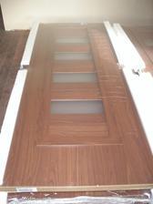 interierove dvere... zatial vo folii a horizontalnej polohe :-)