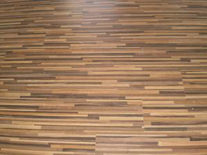 podlaha v pracovni
