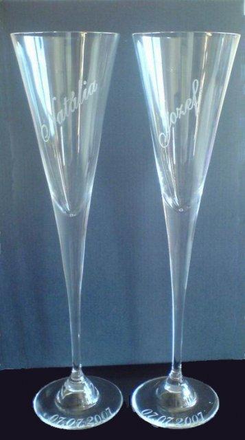 Náš svadobný deň - Tak už aj naše krásnučke svadobne pohare sú hotové.