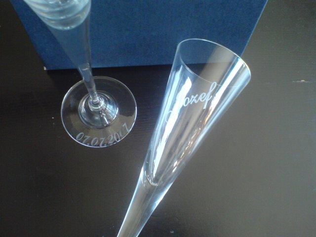 Náš svadobný deň - ...poháriky ešte inak...