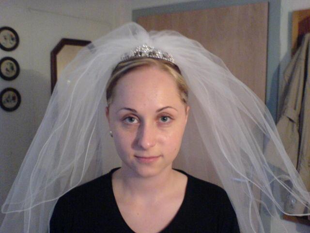 Náš svadobný deň - ... a tu uz aj s korunkou