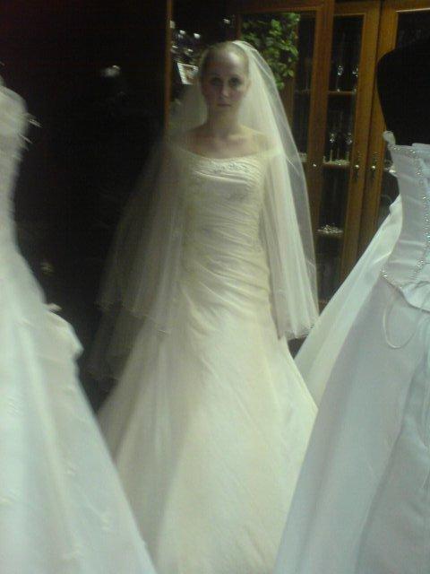 Náš svadobný deň - Niečo zo skúšky šiat ;-) tie moje vsak budu úplne iné a ešte krajšie