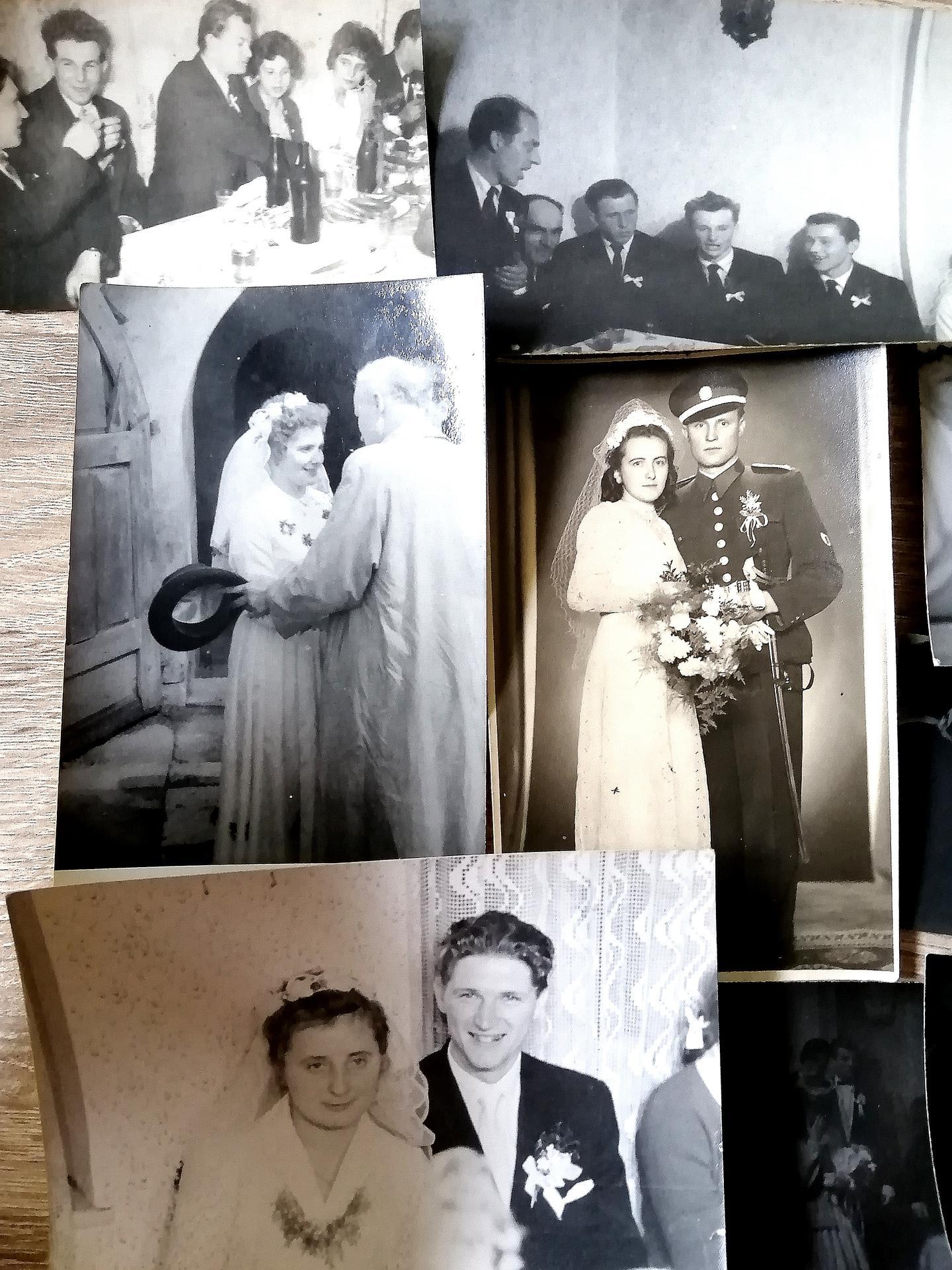 Milujem staré rodinné fotky zo svadieb ❤️❤️❤️ - Obrázok č. 2