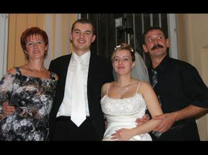 teta Katka a ujo Vilko, teta bola najlepšia tanečníčka na svadbe :-)
