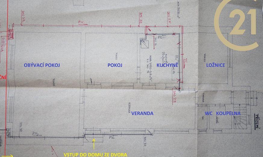 Dispozice domu taková.. Jak byste změnili, co vás napadá? Líbí se nám jeden dům a špekulujeme :) - Obrázek č. 1