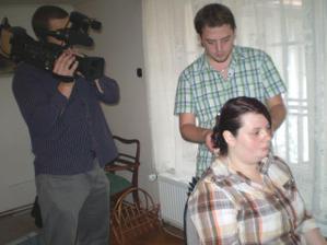 Ranní česání s kameramanem