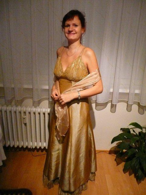 Lucka a Misko sa budu svadbit 19.1.2008 - Popolnocne saty