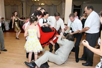 radový tanec...práve mi berú topánočky :-(