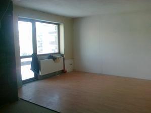 Hlavná veľká miestnosť ktorá bude spojená s kuchyňkou