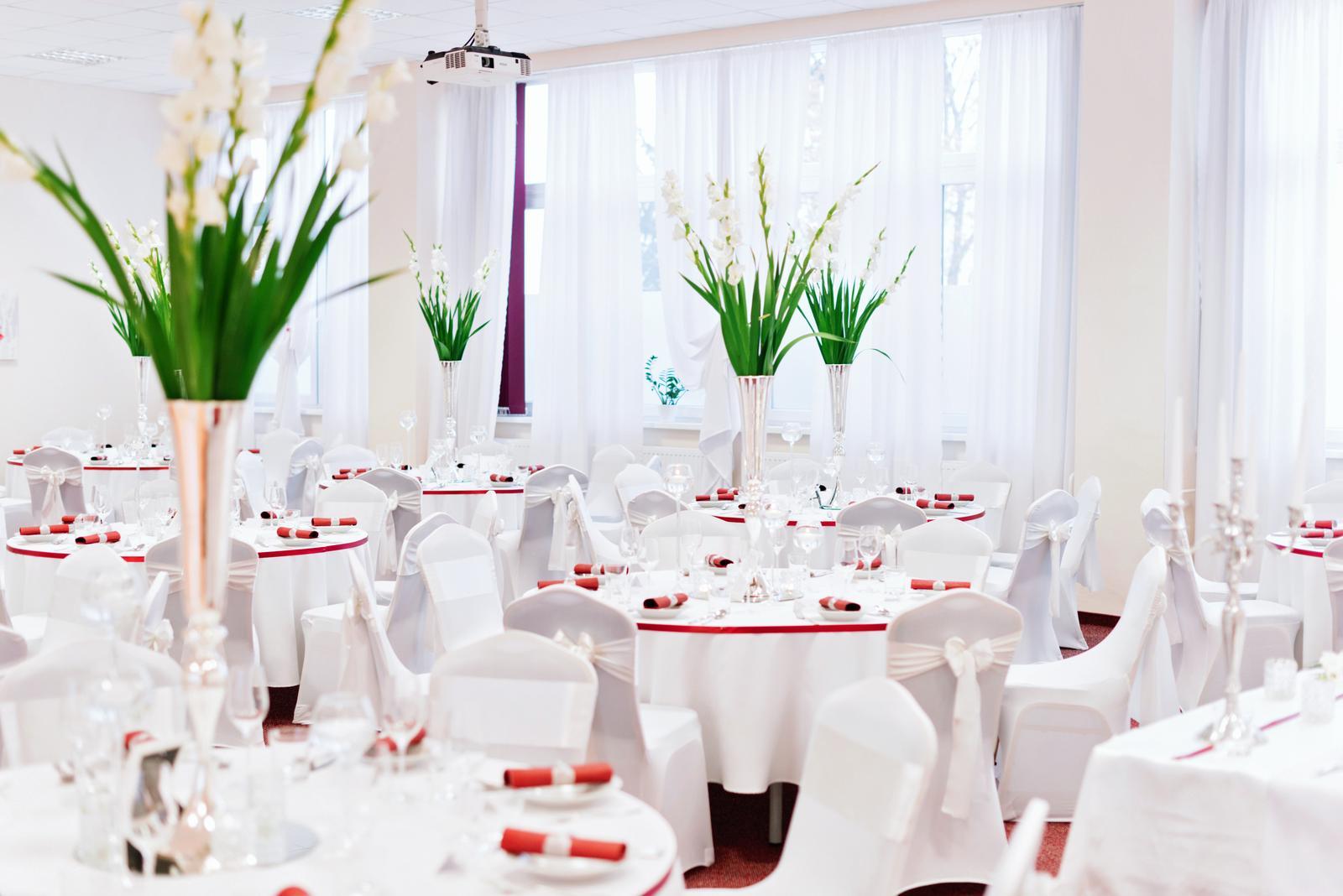 Prijímame objednávky pre svadobnú sezónu 2018/2019. Ponúkame komplexné aj čiastočné služby po celom západnom Slovensku. - svadba Kongresové Centrum Senica