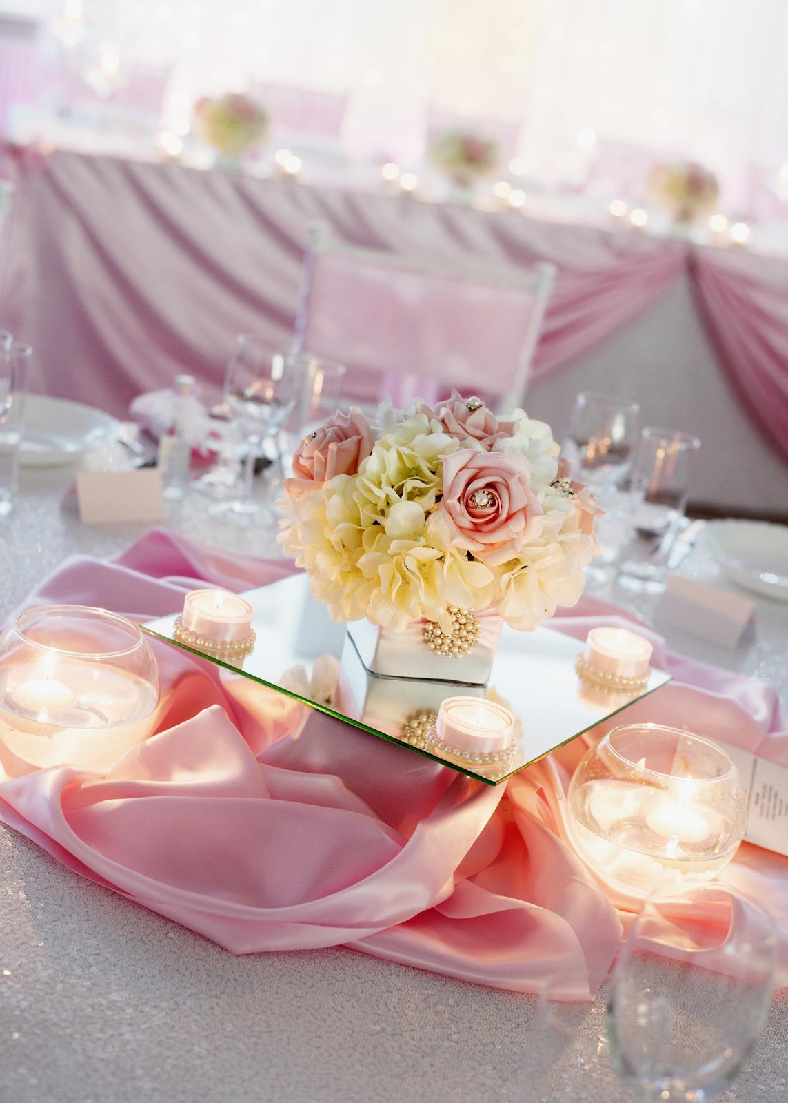 prenajom - saténová ružová mašľa na stoličku - Obrázok č. 4