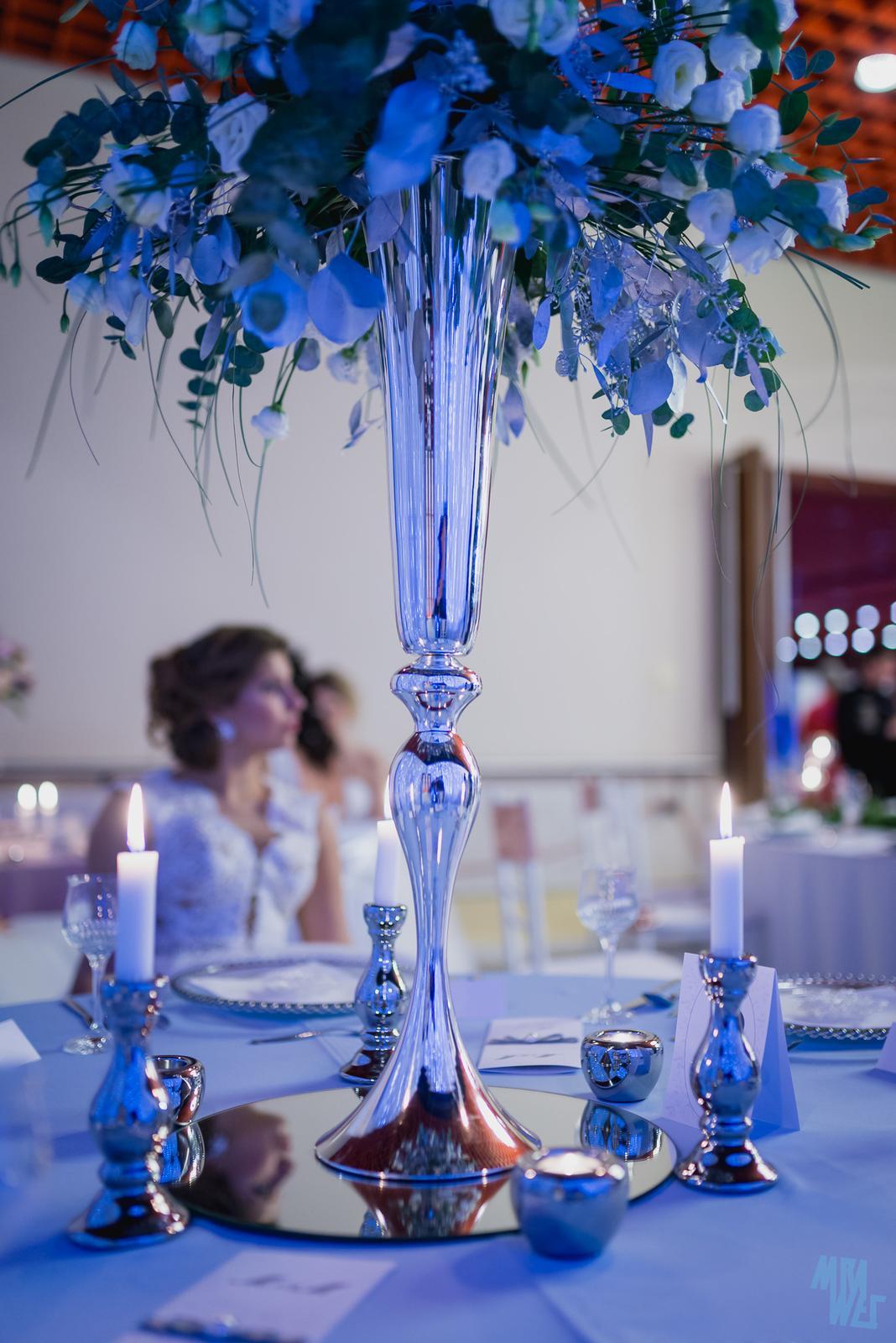 prenajom - vysoká strieborná váza - Obrázok č. 1