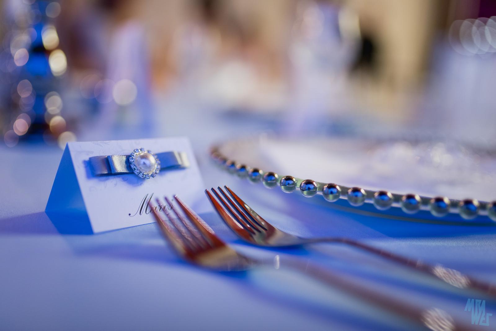 klubové taniere so striebornými perličkami - Obrázok č. 3