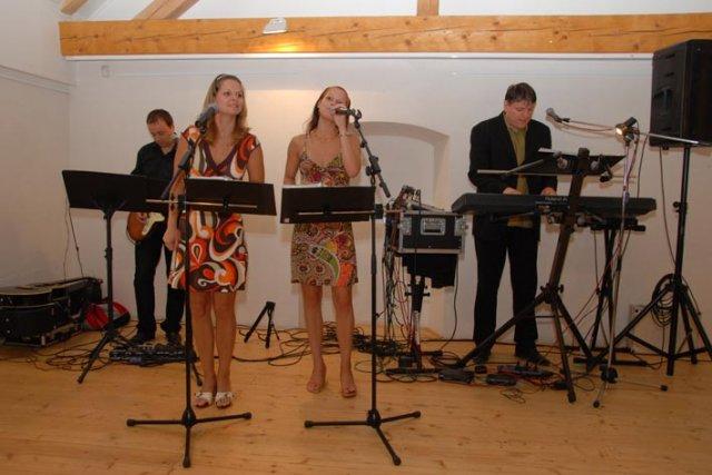 Linda Lahnerová{{_AND_}}Ondřej Bláha - Fragment band-super!!!!