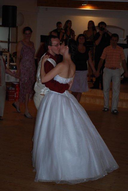Linda Lahnerová{{_AND_}}Ondřej Bláha - První manželský tanec