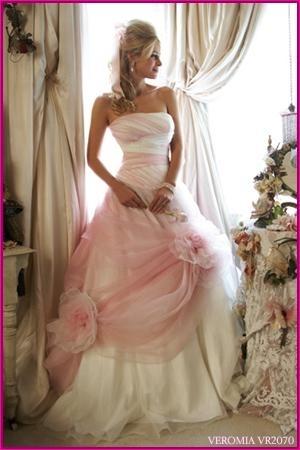 Láska nikdy neprestane - pôvodne som chcela takéto šaty.. =))))) toto boli MOJE VYSNíVANÉ