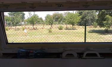 7.7.2014 pohľad na sever z kuchyne - svetlík...