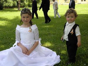 chlapeček vpravo je náš mladší syn Matyášek
