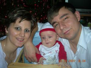 Rodinka Bořilová 1.vánoce s miminkem