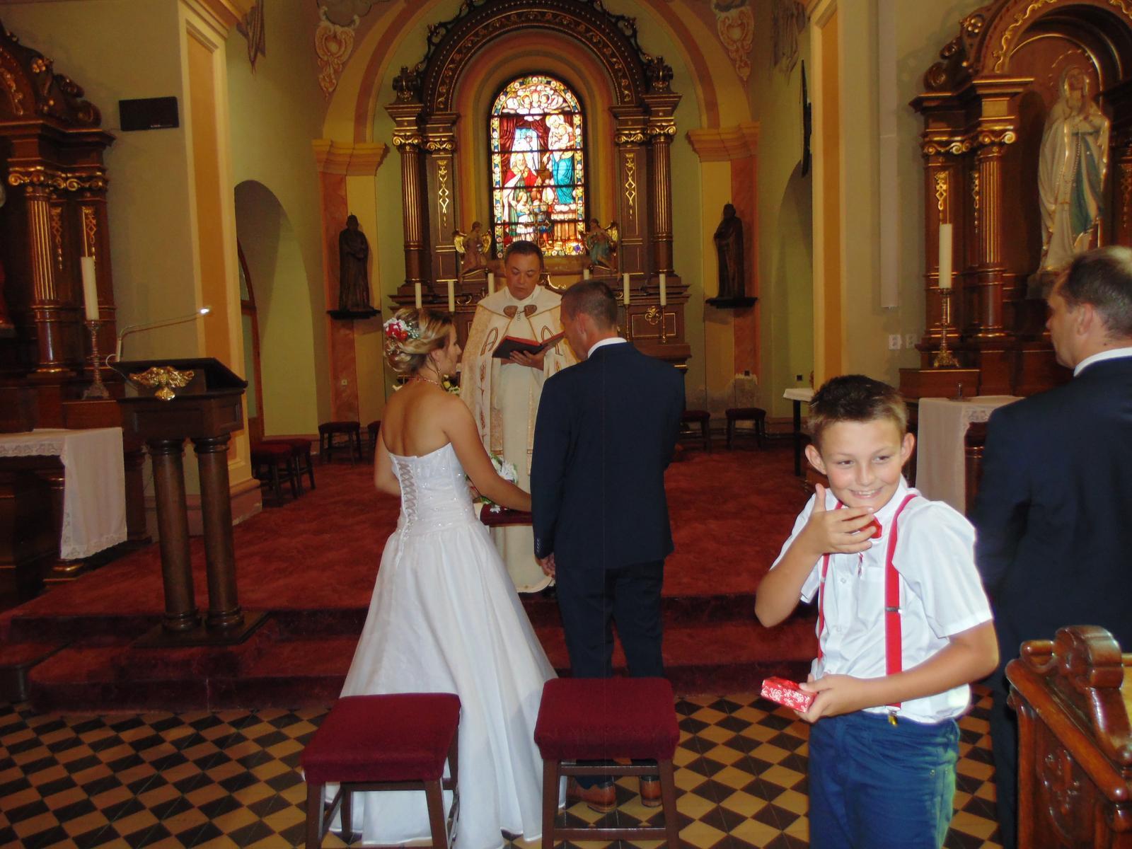 Zo svadobných fotiek by... - Obrázok č. 1
