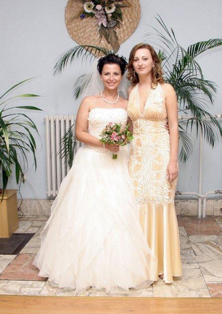 Janka PASTVOVÁ{{_AND_}}Palko POBEHA - so sestričkou a svedkyňou Ivkou