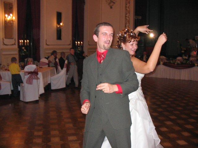 Jana Korimová{{_AND_}}Marián Krásny - potom som to roztočila aj s ostatnými svadobčanmi...
