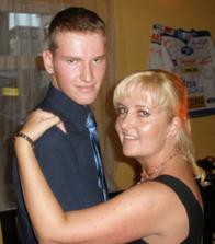 a druha sestrička s jejim synem
