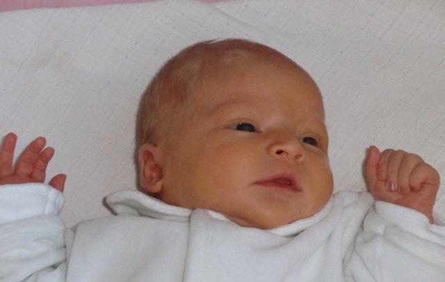 Liduška{{_AND_}}Romča - naše láska Lucinka se narodila 9.7 2009