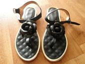sandálky-žabky s květinou, 35
