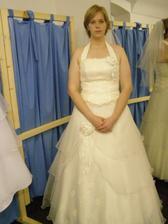 ...až na tú sukňu - veľmi vyzdobená.