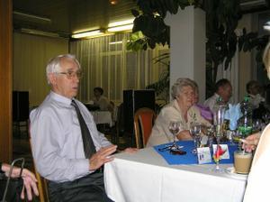 Starí rodičia, žiaľ, už len jedni... Druhí snáď všetko videli z iných sfér  :.o(